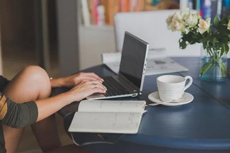 Quels sont les avantages de travailler sur internet à domicile ?